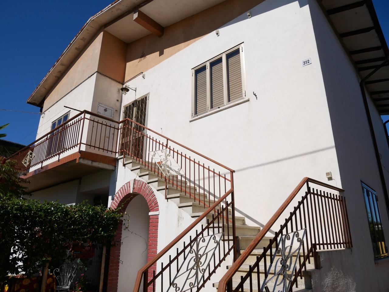 Appartamento indipendente da ristrutturare.
